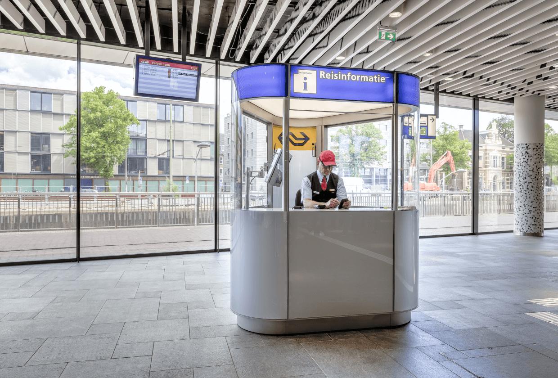 reisinformatiebalie nederlandse spoorwegen03